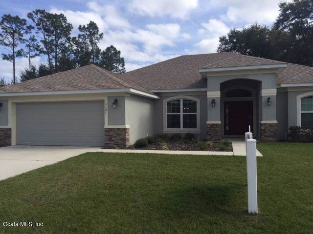 3101 SE 46TH AVE Avenue, Ocala, FL 34480 (MLS #569014) :: Bosshardt Realty