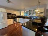 121 Robins Point Road - Photo 17
