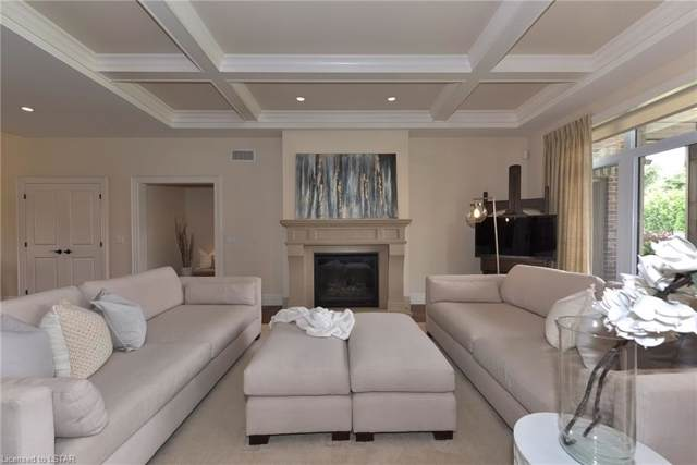 715 Eagletrace Drive, London, ON N6G 0E9 (MLS #218897) :: Sutton Group Envelope Real Estate Brokerage Inc.
