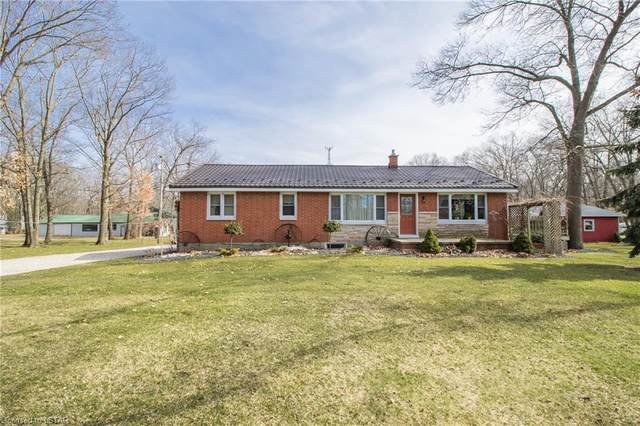 9711 Lakeshore Road, Lambton Shores, ON N0M 1T0 (MLS #252497) :: Sutton Group Envelope Real Estate Brokerage Inc.