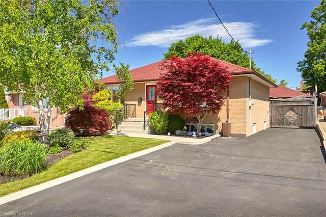 202 Richard Clark Drive, Toronto, ON M3M 1V8 (MLS #30813351) :: Sutton Group Envelope Real Estate Brokerage Inc.