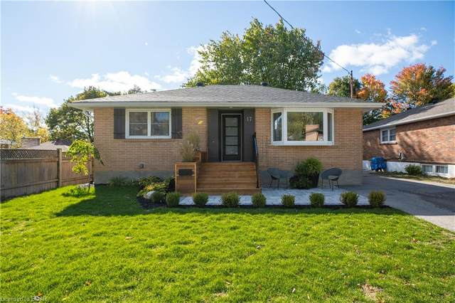 17 Mountbatten Road, Barrie, ON L4M 1T4 (MLS #40037434) :: Forest Hill Real Estate Collingwood