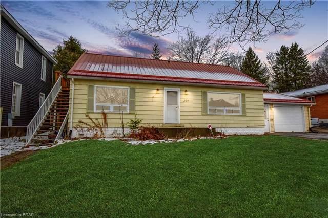 209 Laclie Street, Orillia, ON L3V 4N5 (MLS #40047537) :: Sutton Group Envelope Real Estate Brokerage Inc.
