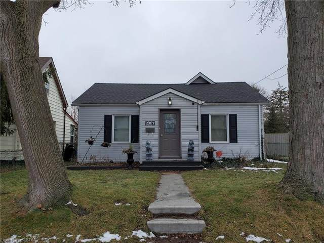 207 East Street, London, ON N5Z 2S1 (MLS #40057561) :: Sutton Group Envelope Real Estate Brokerage Inc.