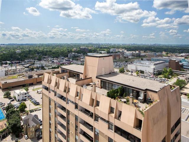 389 Dundas Street #2301, London, ON N6B 3L5 (MLS #214132) :: Sutton Group Envelope Real Estate Brokerage Inc.