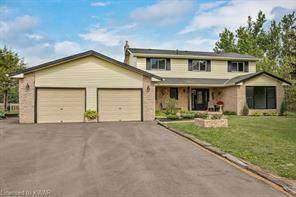 7164 2ND Line, New Tecumseth, ON L0G 1W0 (MLS #30815317) :: Sutton Group Envelope Real Estate Brokerage Inc.