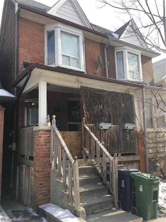 141 Coxwell Avenue, Toronto, ON M4L 3B4 (MLS #40110007) :: Envelope Real Estate Brokerage Inc.