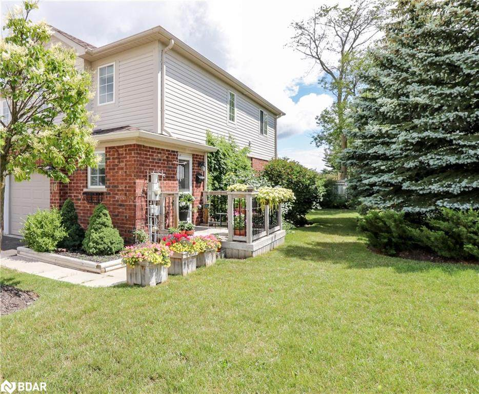 430 Mapleview Drive - Photo 1