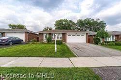 3281 Oakglade Crescent, Mississauga, ON L5C 1X4 (MLS #40148906) :: Forest Hill Real Estate Collingwood