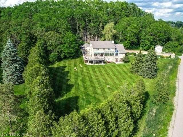 12 Sunshine  Mountain Drive, Caledon, ON L7C 0A1 (MLS #40020524) :: Sutton Group Envelope Real Estate Brokerage Inc.