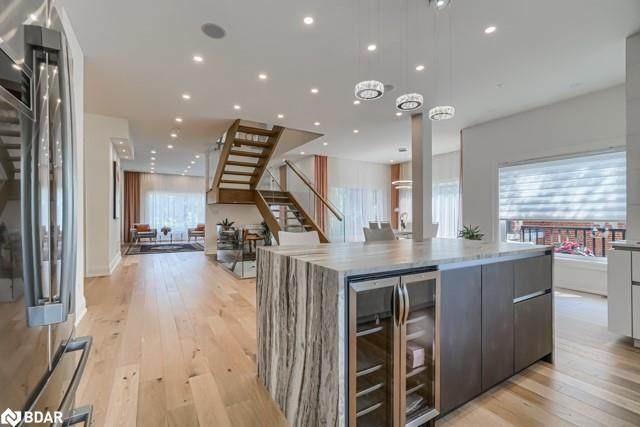 78 Monkswood Crescent, Newmarket, ON L3Y 2K1 (MLS #40061095) :: Forest Hill Real Estate Inc Brokerage Barrie Innisfil Orillia