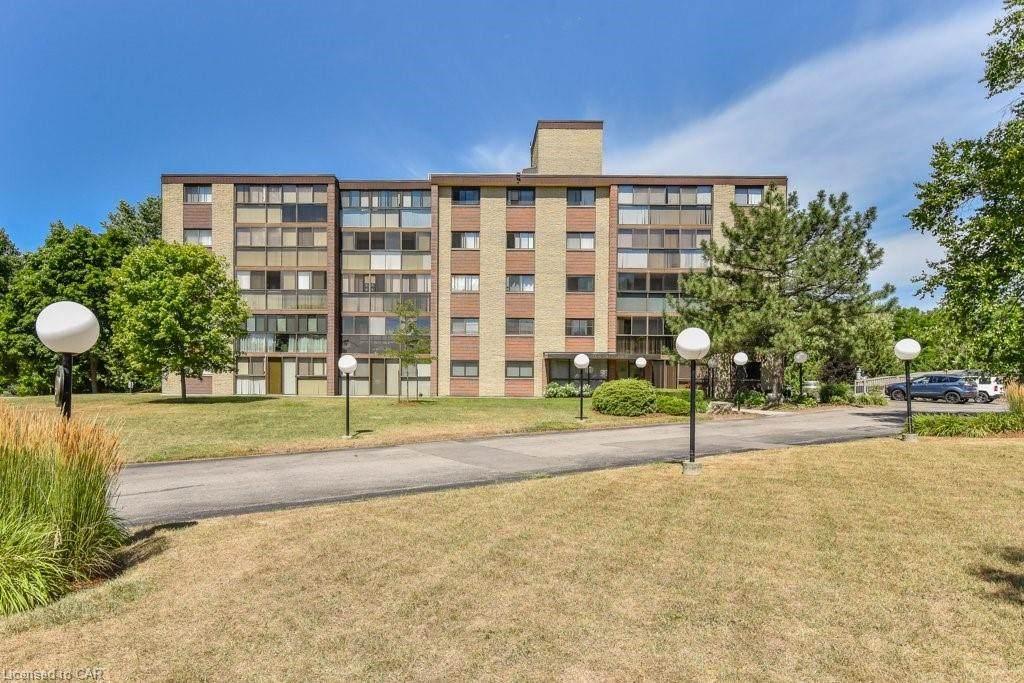 380 Champlain Boulevard - Photo 1