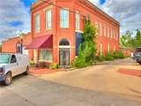 312 Oklahoma Avenue - Photo 2