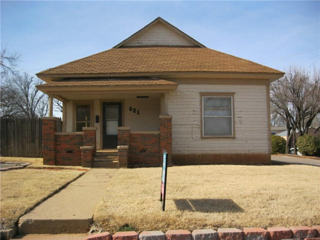 621 N Main Street, Elk City, OK 73644 (MLS #758817) :: Homestead & Co