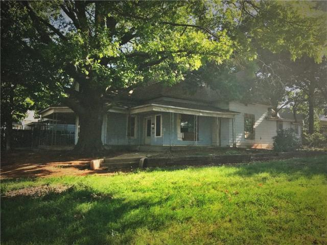 402 W 5th, Elk City, OK 73644 (MLS #777658) :: Wyatt Poindexter Group