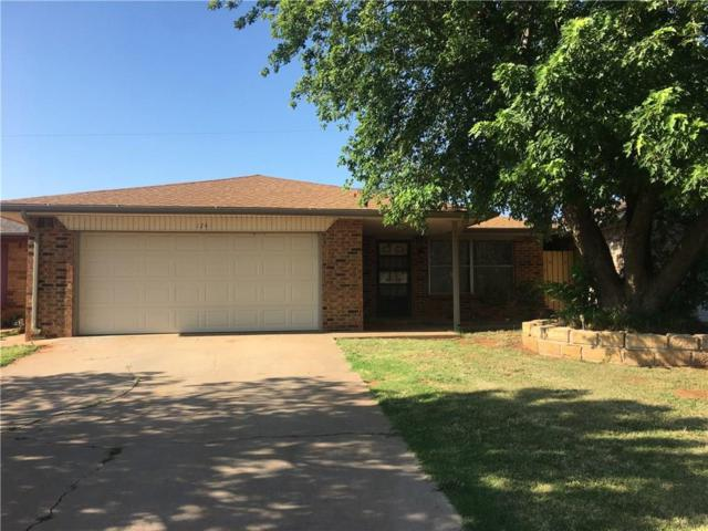 124 Blue Ridge, Elk City, OK 73644 (MLS #778062) :: Barry Hurley Real Estate