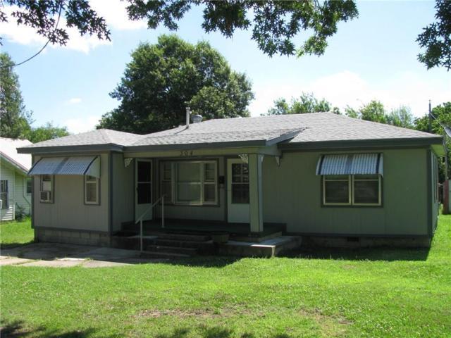 304 N 10th Street, Okemah, OK 74859 (MLS #778683) :: Homestead & Co