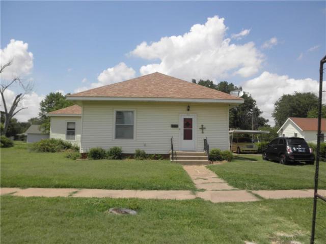 315 W 3rd Street, Cordell, OK 73632 (MLS #780117) :: Wyatt Poindexter Group