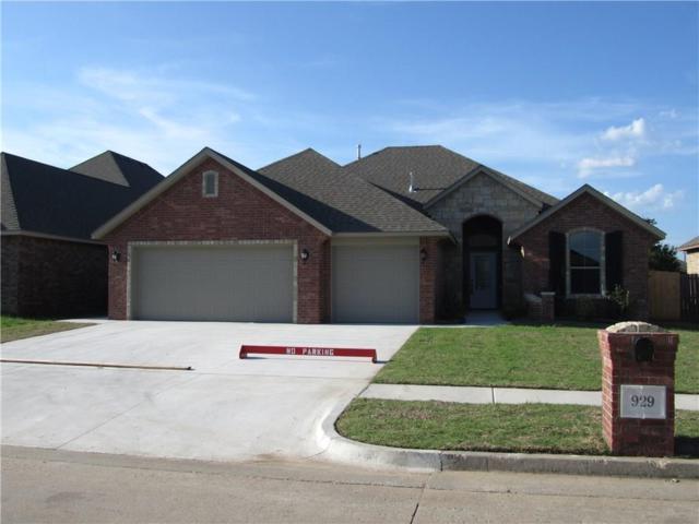 929 SW 12TH Street, Moore, OK 73160 (MLS #787289) :: Wyatt Poindexter Group