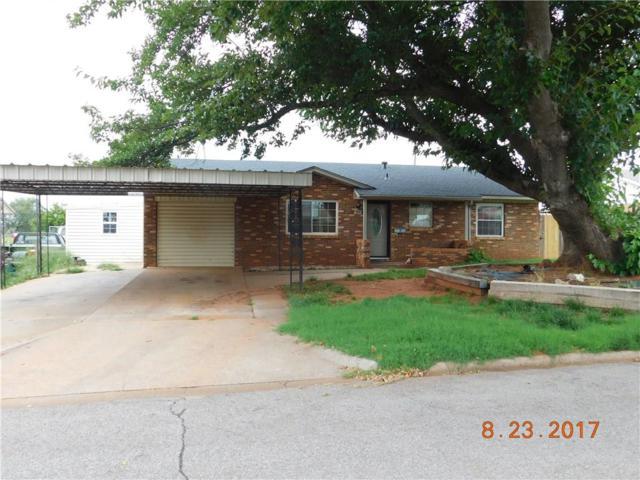 405 Hoover, Elk City, OK 73644 (MLS #787610) :: Wyatt Poindexter Group