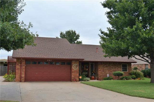 207 Maple, Elk City, OK 73644 (MLS #793160) :: Wyatt Poindexter Group