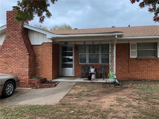 1227 S 16th Street, Chickasha, OK 73018 (MLS #797988) :: Erhardt Group at Keller Williams Mulinix OKC