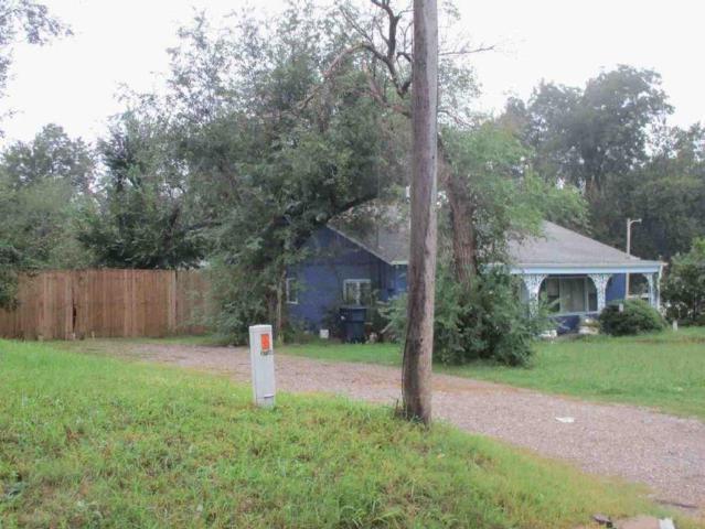 3740 9th, Oklahoma City, OK 73107 (MLS #798360) :: Wyatt Poindexter Group