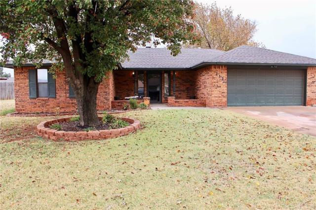 212 Sycamore, Elk City, OK 73644 (MLS #798555) :: Wyatt Poindexter Group