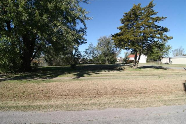 117 N Elm Avenue, Union City, OK 73090 (MLS #798610) :: Wyatt Poindexter Group