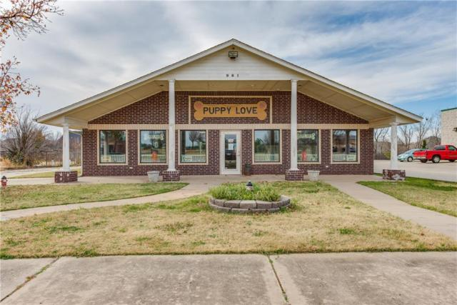 981 N Santa Fe, Edmond, OK 73003 (MLS #800109) :: Wyatt Poindexter Group