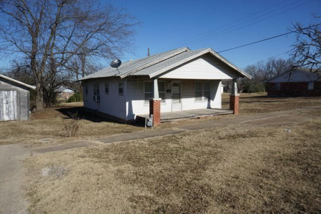 916 W Columbia, Okemah, OK 74859 (MLS #800828) :: Wyatt Poindexter Group