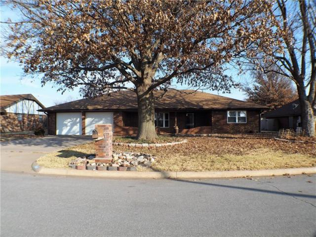 1318 Magnolia, Weatherford, OK 73096 (MLS #801142) :: Wyatt Poindexter Group