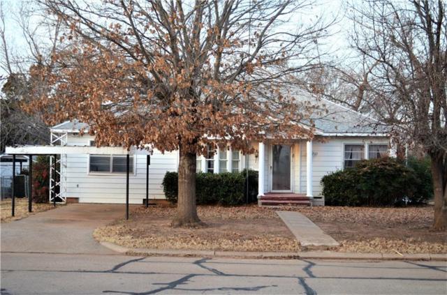203 W 6th, Cordell, OK 73632 (MLS #802185) :: Wyatt Poindexter Group
