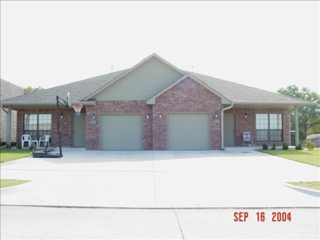 643 Welston #645, Norman, OK 73071 (MLS #804263) :: Homestead & Co