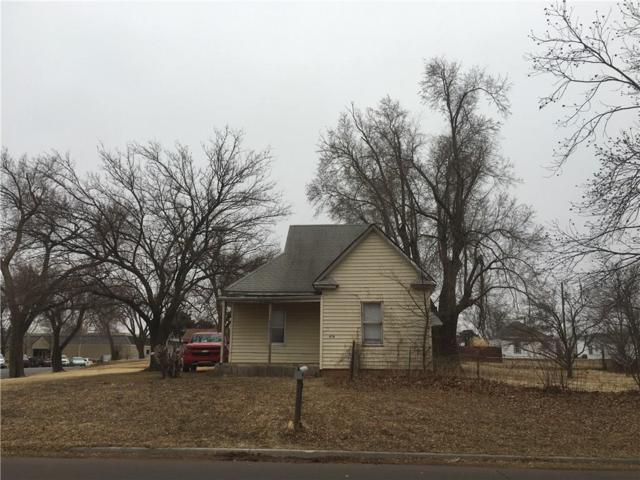 808 W A, Elk City, OK 73644 (MLS #806188) :: Wyatt Poindexter Group