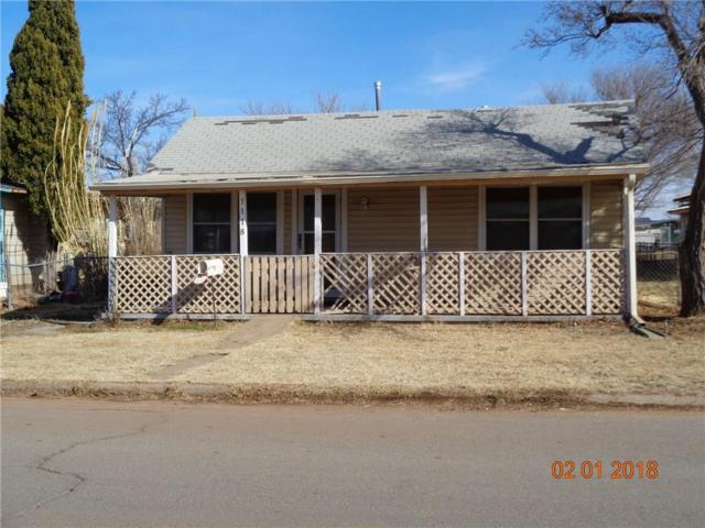 1118 N Howse, Altus, OK 73521 (MLS #806413) :: Homestead & Co