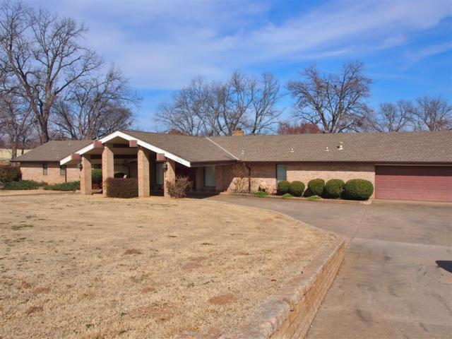 2424 E Highland, Shawnee, OK 74801 (MLS #807488) :: Wyatt Poindexter Group