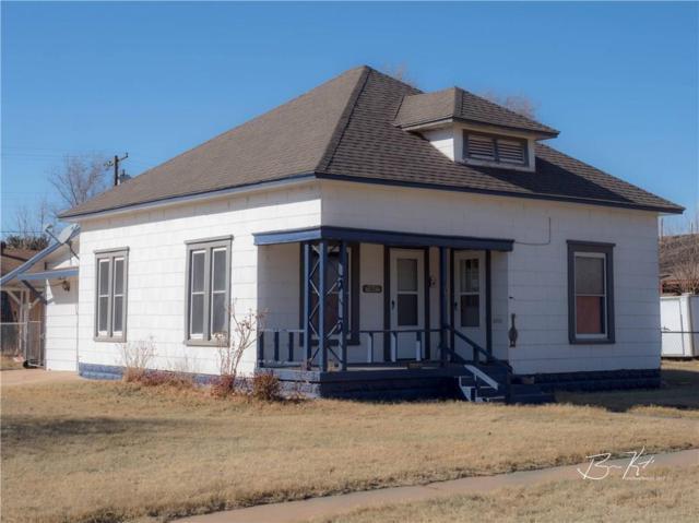 401 N Jefferson, Elk City, OK 73644 (MLS #807811) :: Wyatt Poindexter Group