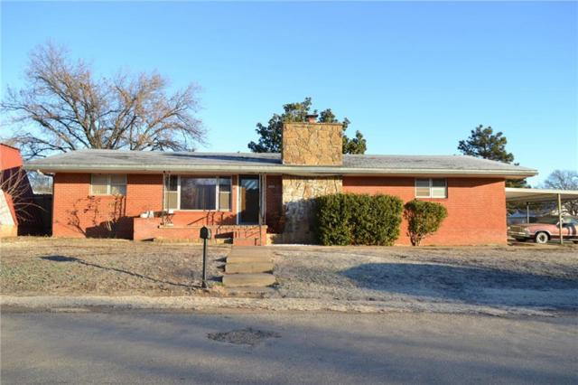 820 Washington, Mountain View, OK 73062 (MLS #807848) :: Wyatt Poindexter Group