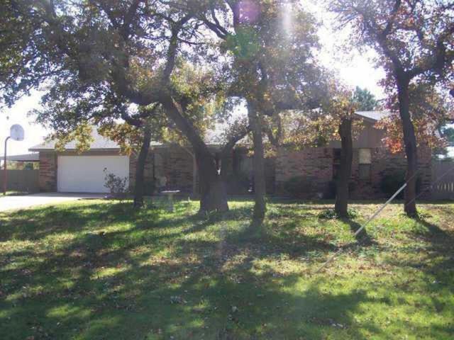 16 Chestnut Drive, Ninnekah, OK 73067 (MLS #808135) :: Erhardt Group at Keller Williams Mulinix OKC