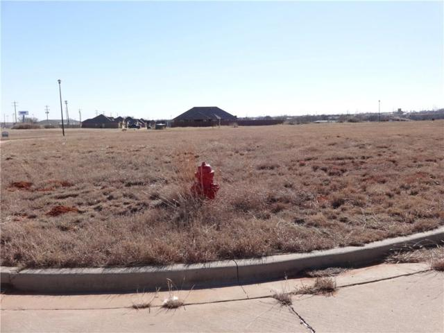 108 Chucker, Elk City, OK 73644 (MLS #808333) :: KING Real Estate Group