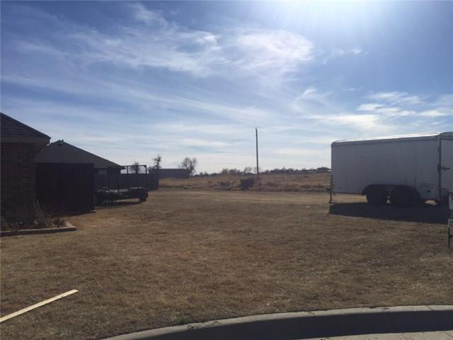 1916 Apple, Weatherford, OK 73096 (MLS #809831) :: Homestead & Co