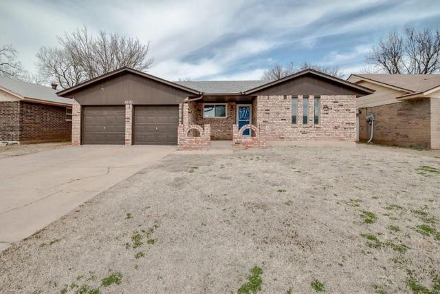 1021 21st, Moore, OK 73160 (MLS #810479) :: KING Real Estate Group