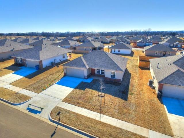 1716 Eighty-Niner Terrace, El Reno, OK 73036 (MLS #811703) :: Wyatt Poindexter Group