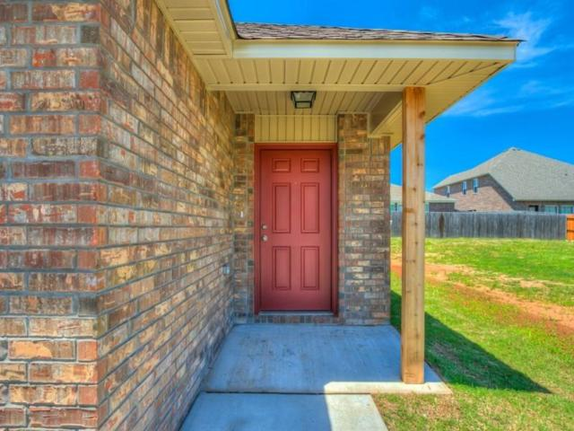 7525 Leichter Avenue, Oklahoma City, OK 73132 (MLS #812360) :: Wyatt Poindexter Group