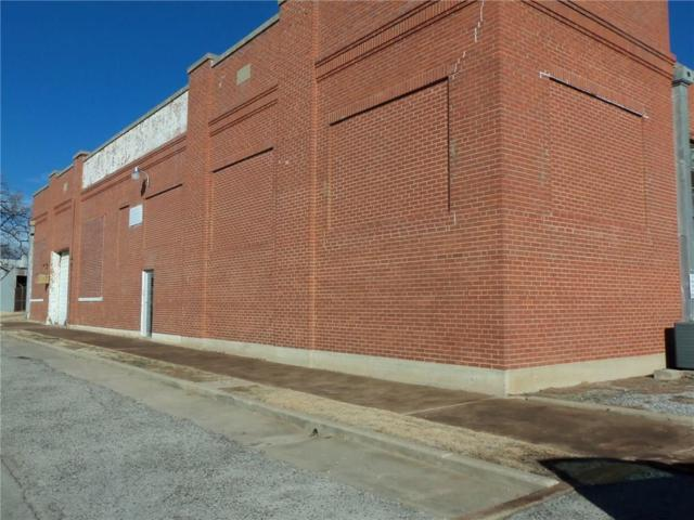 227 S Philadelphia, Shawnee, OK 74801 (MLS #812620) :: Homestead & Co