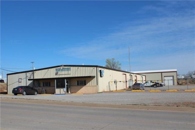315 W 20th Street, Elk City, OK 73644 (MLS #812680) :: UB Home Team