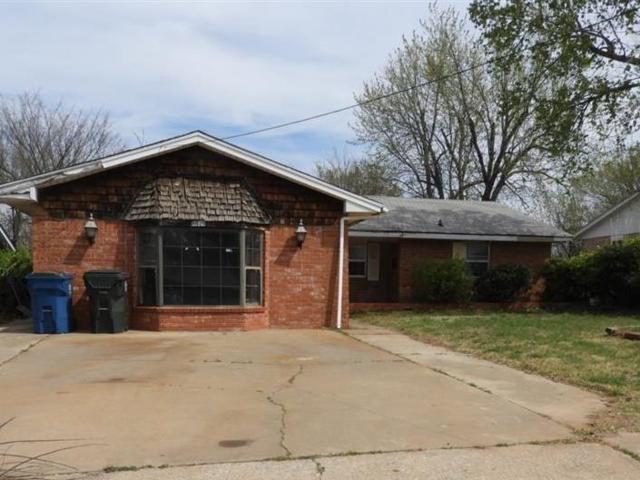 8819 NE 12th Street, Midwest City, OK 73110 (MLS #813475) :: UB Home Team