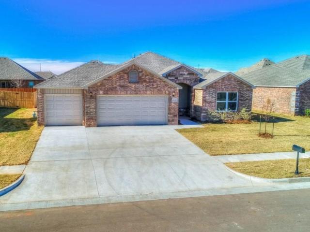 4816 Fieldstone Drive, Oklahoma City, OK 73179 (MLS #815183) :: Wyatt Poindexter Group