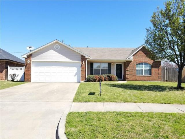 949 NW 15th, Moore, OK 73160 (MLS #816362) :: Homestead & Co